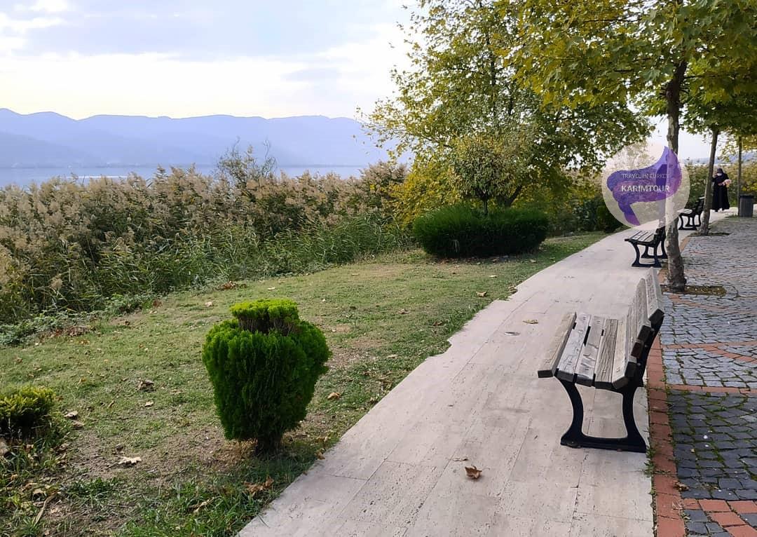 كراسي الجلوس في منتزه سبانجا