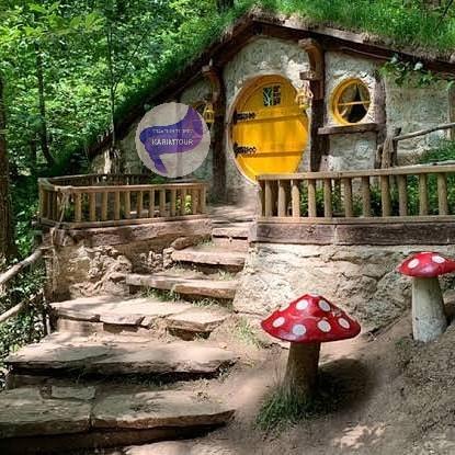 بيوت خشبية في معشوقية
